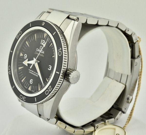 IMG 6885 2 600x555 - Omega Seamaster 300