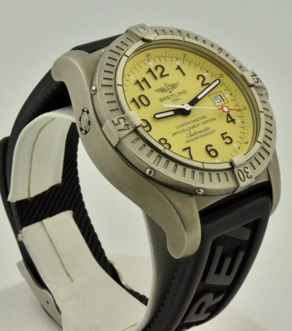 IMG 8695 600x681 - Breitling Avenger Seawolf