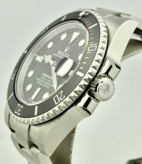 rolex submariner 116610 crown