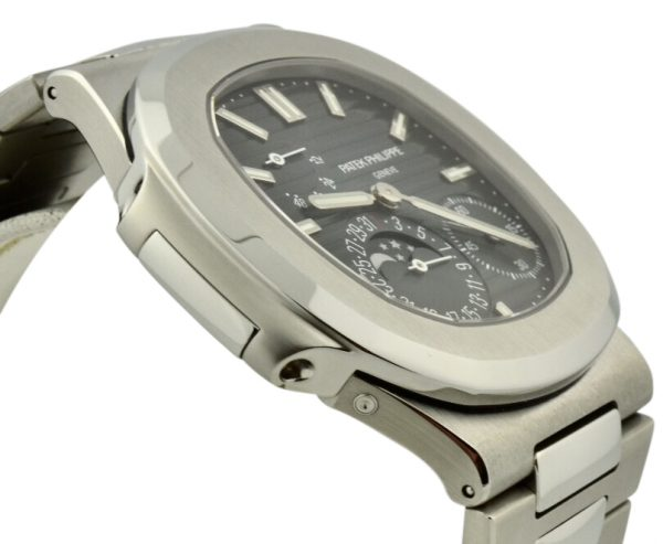Patek Philippe Nautilus 40mm stainless steel