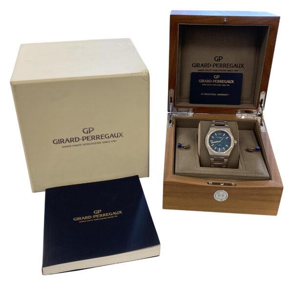 Men's Girard Perregaux Laureato 81010-11 Blue dial diamond bezel for sale
